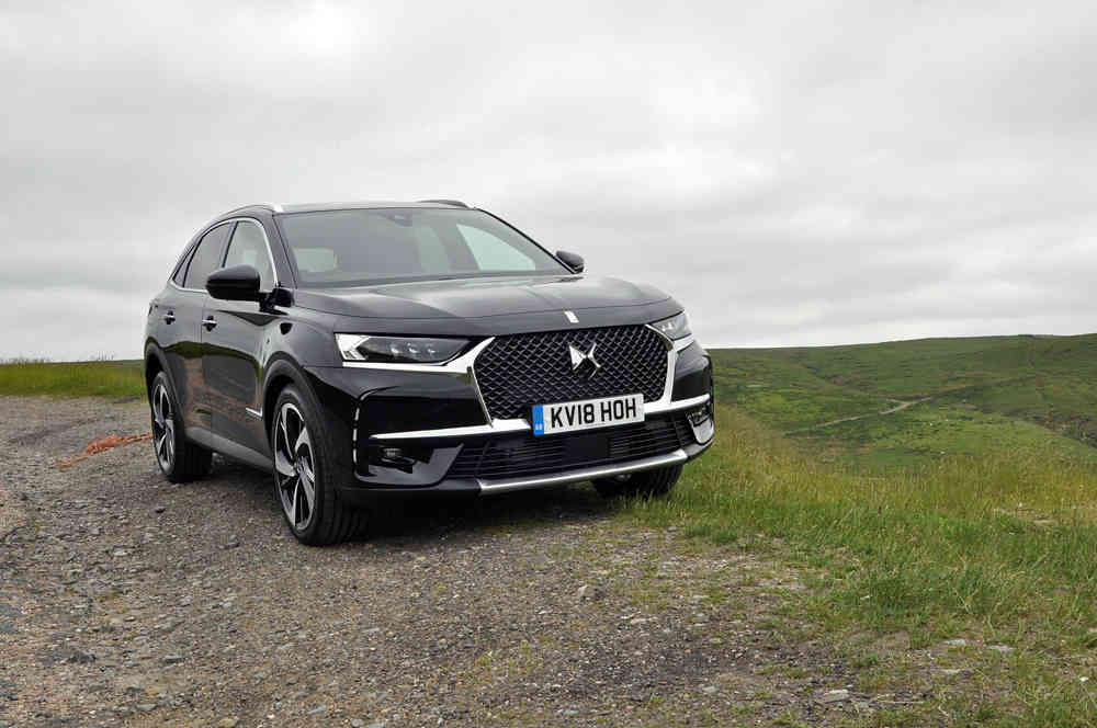 https://www.talk-business.co.uk/wp-content/uploads/2018/07/DS7-Crossback-1.6-petrol-Ultra-Prestige-Opera-crossover-SUV-review-grille-lights.jpg