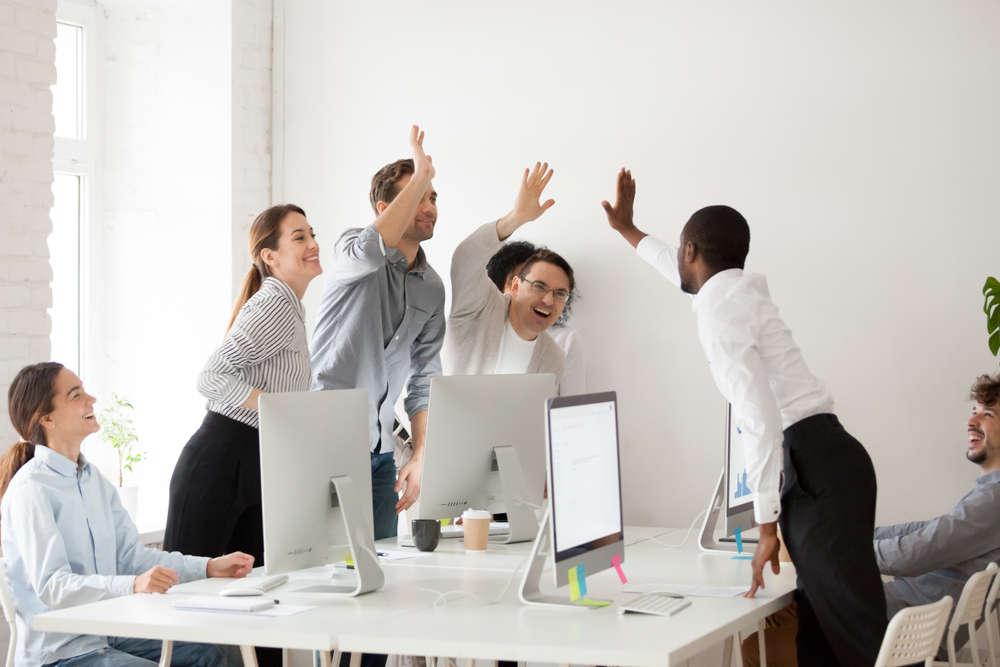 5 Reasons to Reward Your Staff Regularly
