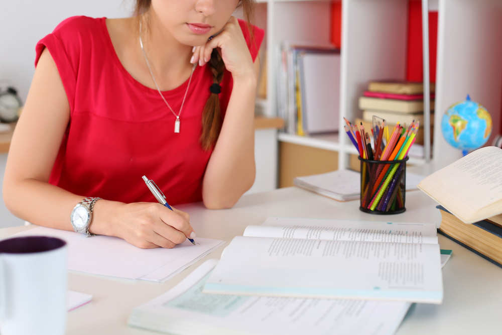 the pros and cons of essay writing services  talk business the pros and cons of essay writing services