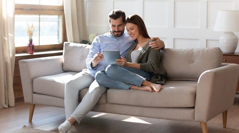 online casino attractive couple
